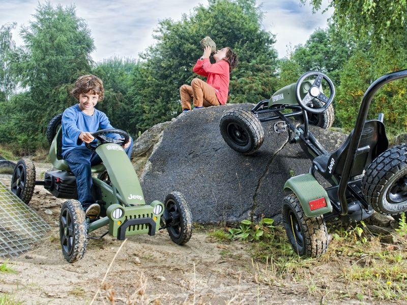Ratgeber: BERG Jeep Adventure Pedal-Gokart für Kinder von 4 bis 12 Jahre, Das Magazin bietet Gokart-Fahrspaß für jedes Alter.